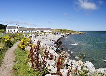 Anglesey Coastal Path at Moelfre north beach