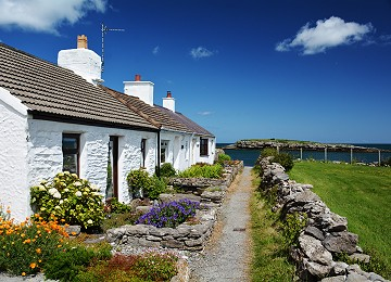 Cottages near Moelfre north beach