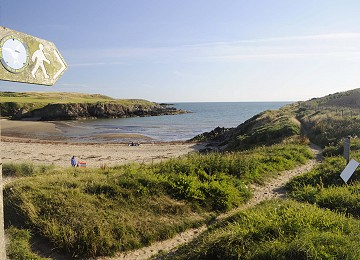 Anglesey Coastal Path next to Cable Bay beach