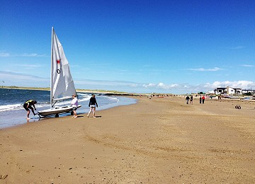 Dinghy sailing at Rhosneigr