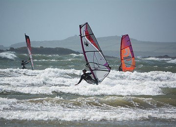 Sailing the waves at Rhosneigr